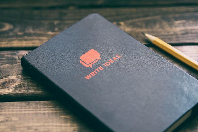 アイデア帳とペン